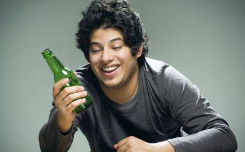 过量饮酒的害处 喝酒的坏处有哪些 怎么喝酒才健康