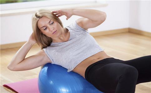 怎么练出手臂肌肉 锻炼手臂肌肉方法 如何练好手臂肌肉