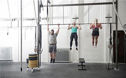 怎么练背部力量 锻炼背部力量方法 锻炼背部的好处