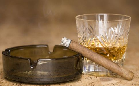 抽烟会影响男性生育吗 男人怎么防不育 男人该怎么预防不育