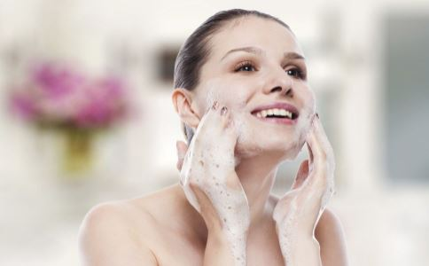 好用的国货护肤品有哪些 怎么选择国货护肤品 哪些国货护肤品好用