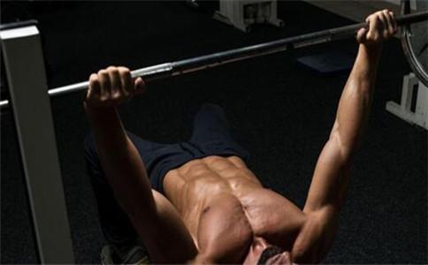 快速练手臂肌肉 怎么锻炼手臂肌肉 肌肉训练的注意事项