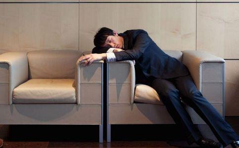 越睡越累是怎么回事呢 什么方法可以提神 精神疲惫该怎么提神