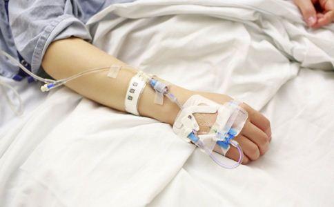 发烧的时候怎么退烧 发烧如何退烧 发烧时要注意什么