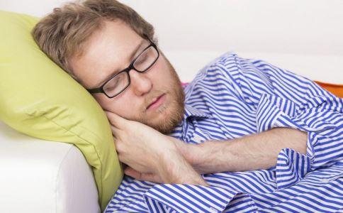男人肾虚症状有哪些 男人肾虚该如何调理 男人肾虚的治疗方法