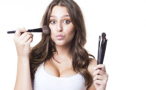 女性祛斑不可不知的误区 女性祛斑秘诀 女性祛斑方法