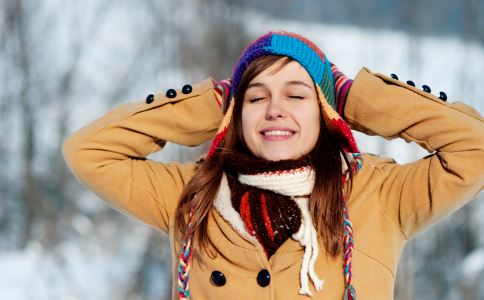 冬季皮肤干燥缺水怎么办 冬季吃什么能够补水 吃什么补水效果好