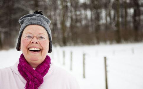 冬季老人如何护腰 冬季老人护腰要注意什么 冬季老人护腰注意事项