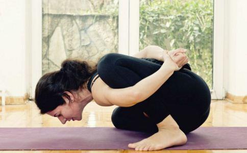 生理期可以练瑜伽吗 生理期怎么练瑜伽 哪些瑜伽适合生理期