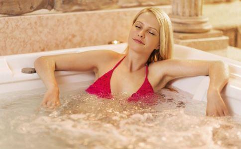 洗澡有什么好处 洗澡能减肥吗 洗澡有哪些作用