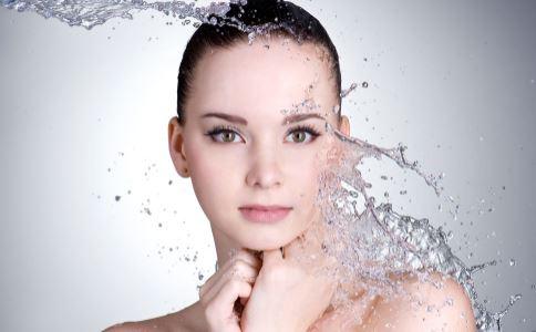 冬季如何保湿 冬季保湿方法有哪些 冬季多喝水就能保湿吗