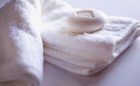 白带像浆糊怎么回事 女性霉菌性阴道炎有哪些症状 女性阴道炎要如何处理
