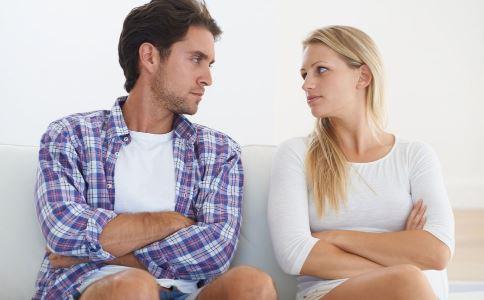异地恋情侣该如何维持感情 异地恋维持感情要注意什么 异地恋分手有哪些原因