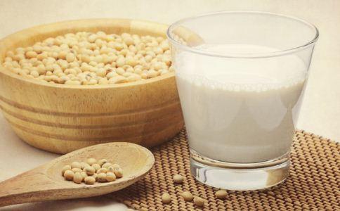 豆浆怎么喝才健康 豆浆应该怎么喝 哪些人不适合喝豆浆