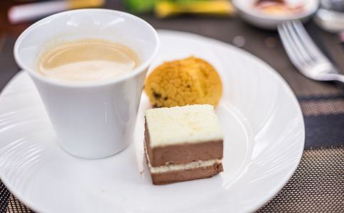 男人常喝奶茶会影响生育力吗 影响男人生育力的因素有哪些 奶茶会导致男人不育吗