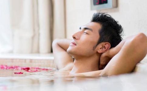 冠心病患者冬季可以泡澡吗 冠心病患者生活中要注意什么 冠心病患者该怎么合理饮食