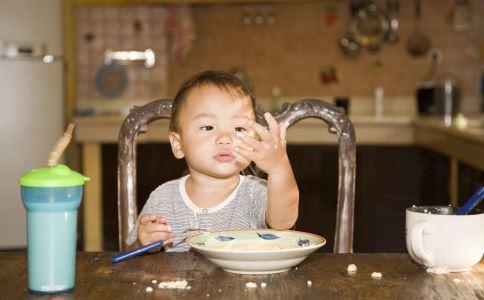 孩子挑食该怎么办  孩子挑食严重怎么办 孩子爱挑食怎么办