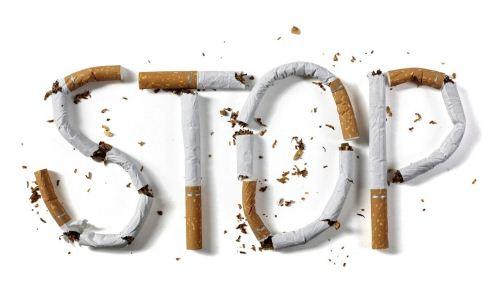男人开车抽烟有危害吗 男人该怎么戒烟 戒烟方法有哪些