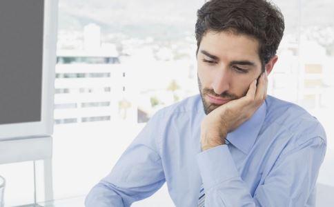 久坐对身体的危害有哪些 哪些行为最伤身 早上可以洗头洗澡吗