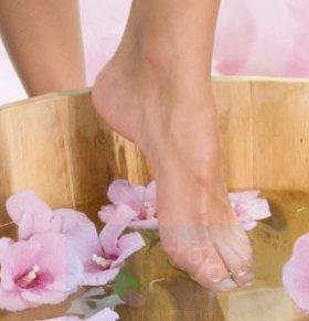 产后水肿的原因是什么 产后下肢水肿怎么办 如何消除产后下肢水肿
