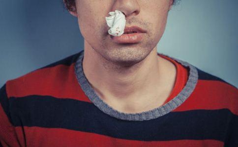 鼻子出血怎么回事 鼻子出血的原因 鼻出血怎么回事