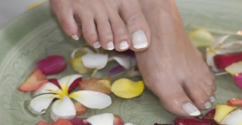 女性冬天泡脚能养生 7大事项要注意