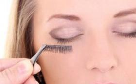 嫁接的睫毛是什么材料 会不会伤害眼睛