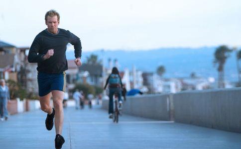 高血压患者早上可以跑步吗 高血压跑步注意事项 高血压能跑步吗