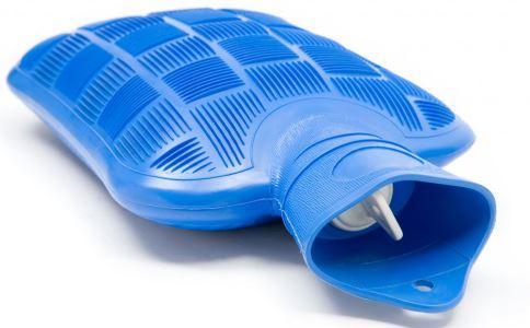 该如何正确该孩子使用暖水袋呢 如何正确使用暖水袋 孩子使用暖水袋