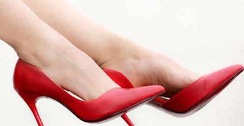 常穿高跟鞋让身体很受伤 这样穿才健康