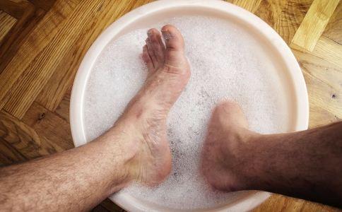 冬季有脚气怎么办 有脚气如何去脚气 怎么泡脚可以去脚气