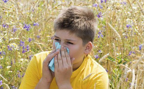 得了慢性鼻炎怎么办 治疗慢性鼻炎的方法 慢性鼻炎吃什么好