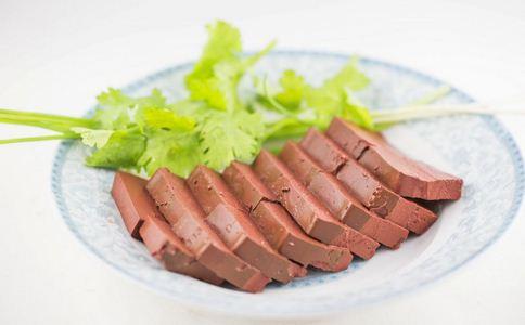 如何辨别甲醛猪血 甲醛猪血的辨别方法 甲醛猪血的危害