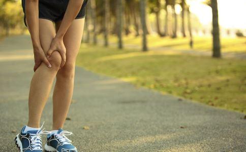 引起骨囊肿的原因是什么 骨囊肿的表现症状 骨囊肿的治疗方法