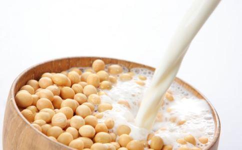 喝豆浆能美白吗 豆浆怎么喝能美白 豆浆美白做法大全