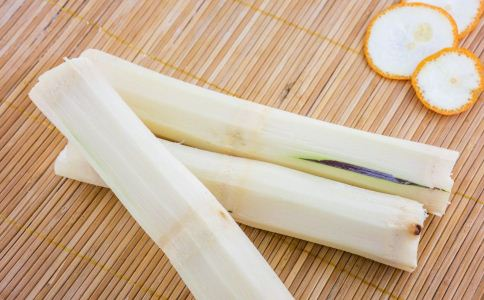 冬季怎么吃甘蔗好 甘蔗怎么吃比较好 甘蔗的吃法有哪些