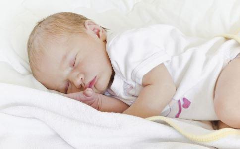 孩子睡觉磨牙是怎么回事 孩子睡觉磨牙的原因是什么 为什么孩子睡觉磨牙