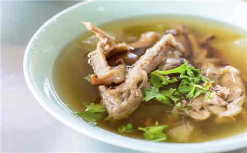 骨头汤怎么熬 骨头汤熬制方法 骨头汤的做法