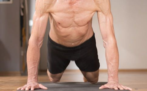 怎么锻炼胸肌 胸肌要怎么练 俯卧撑怎么做才正常