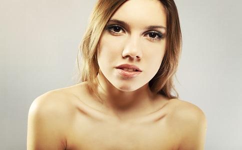 大饼脸适合什么发型 最适合大饼脸的发型有哪些 大饼脸怎么瘦脸好
