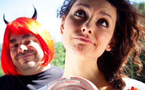 女人内分泌失调的危害有哪些 内分泌失调都有哪些危害 内分泌失调怎么办