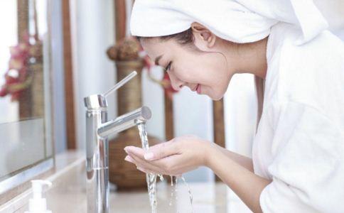 皮肤干燥怎么办 皮肤干燥如何保湿 皮肤干燥如何补水