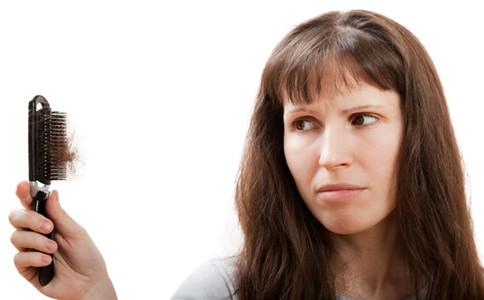 女性如何防止脱发 女性脱发的原因 女性防脱发饮食