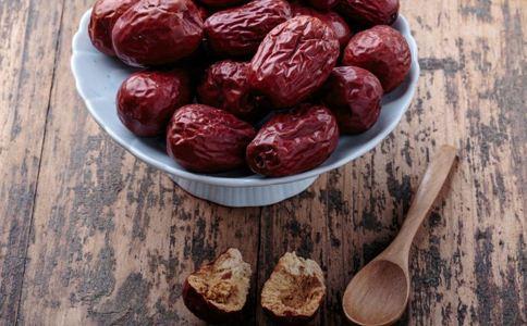 女人吃红枣好吗 女人吃红枣的好处 女人吃红枣的注意事项