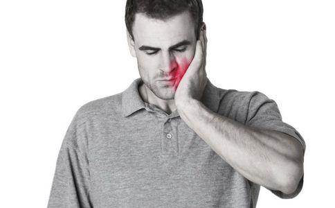 大学生牙疼突患白血病 牙疼的原因有哪些 导致牙疼的原因有什么