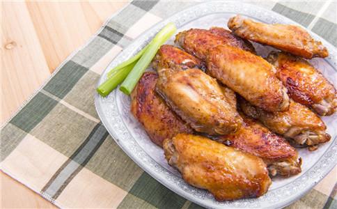 怎么做可乐鸡翅膀 如何腌制鸡翅膀 鸡翅膀有什么营养