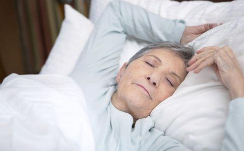 老人冬天预防感冒 老年人如何避免冬天感冒 老人怎么避免冬天感冒