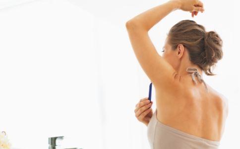 腋毛有什么用处 用镊子拔腋毛好吗 经常拔腋毛有哪些危害