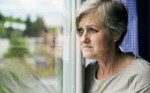 如何预防老年抑郁症 老年抑郁症的预防方法 怎么预防老年抑郁症