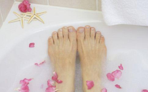 手脚冰凉的原因 手脚冰凉如何调理 手脚冰凉的调理方法